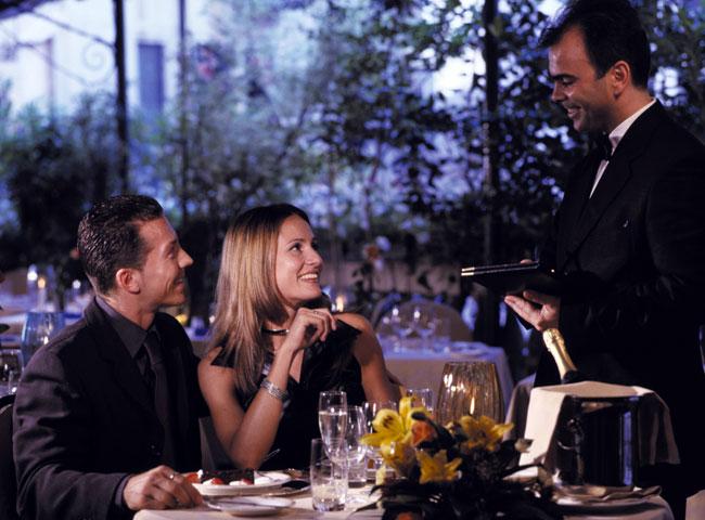 restaurant1_b.jpg 650×480 73K