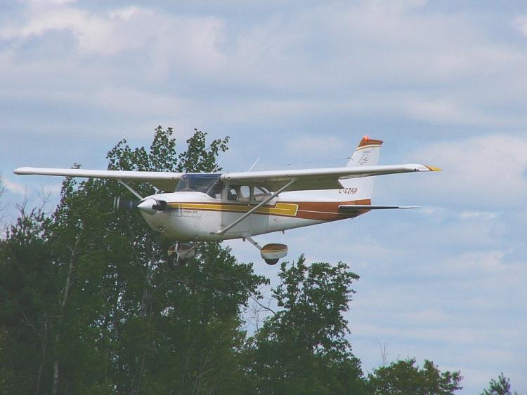 CessnaR172HawkXPC-GZHR.jpg 750×563 131K